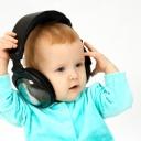 Müzik Dinleyen Bebek