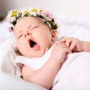 Papatya Taçlı Bebek
