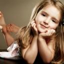 Sevimli Kız Çocuk 1