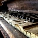 Eski Piano