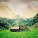 Hayal Dünyası Ev ve Dağlar