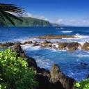 Kayalıklar ve Deniz Manzarası