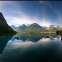 Müthiş Göl ve Dağ