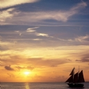 Yelkenli ve Gün Batımı