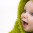 Yeşil Şapkalı Bebek