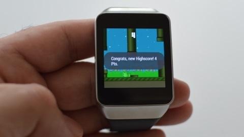 İlk Android akıllı saat oyunu bir Flappy Bird çakması oldu
