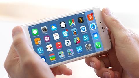 Apple, OLED ekrana geçişi 2017'de iPhone 7s ile yapabilir