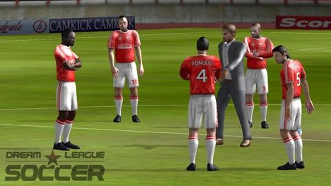 Dream League Soccer iOS oyunu ile hem futbol oynayın hem menajer olun