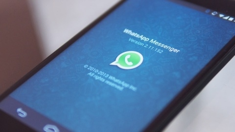Facebook, 16 milyar dolar ödeyerek WhatsApp uygulamasını satın alıyor