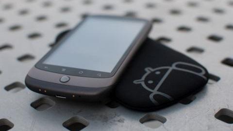 HTC, 2015 ikinci yarısı için AMOLED ekranlı telefon geliştiriyor