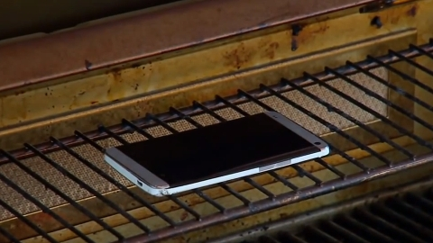 HTC One dayanaklılık testi video inceleme