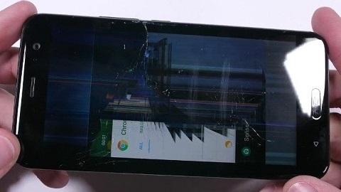 HTC U11 dayanıklılık testinden geçemedi