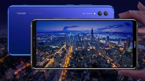 7 inçlik OLED ekranıyla Honor Note 10 resmen tanıtıldı