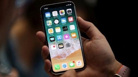 iPhone X, Samsung'a Galaxy S8'den daha fazla gelir sağlayacak