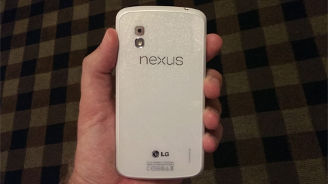 LG Nexus 4 Beyaz 4 Haziran'da