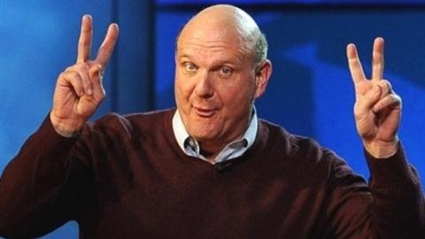 Microsoft CEO'su Steve Ballmer bir yıl içerisinde görevinden ayrılacağını açıkladı