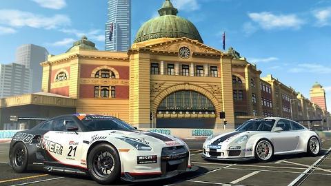 Real Racing 3 iOS ve Android oyunu güncelleme ile birlikte iki yeni arabaya kavuştu