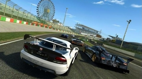 Real Racing 3'ün BlackBerry 10 için hazırlanan versiyonu çıktı