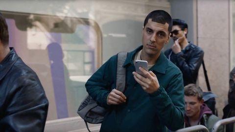 Samsung, iPhone ile dalga geçen yeni reklam filmini yayınladı