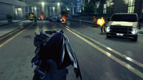 The Dark Knight Rises BlackBerry 10 oyunu indirilmeye hazır