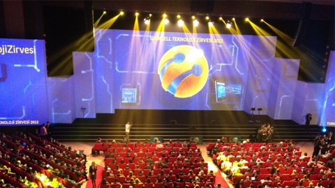 Turkcell Teknoloji Zirvesi başladı, 5 binden fazla kişi katıldı