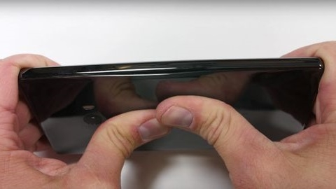 Seramik kasaya sahip Xiaomi Mi MIX için ilk dayanıklılık testi